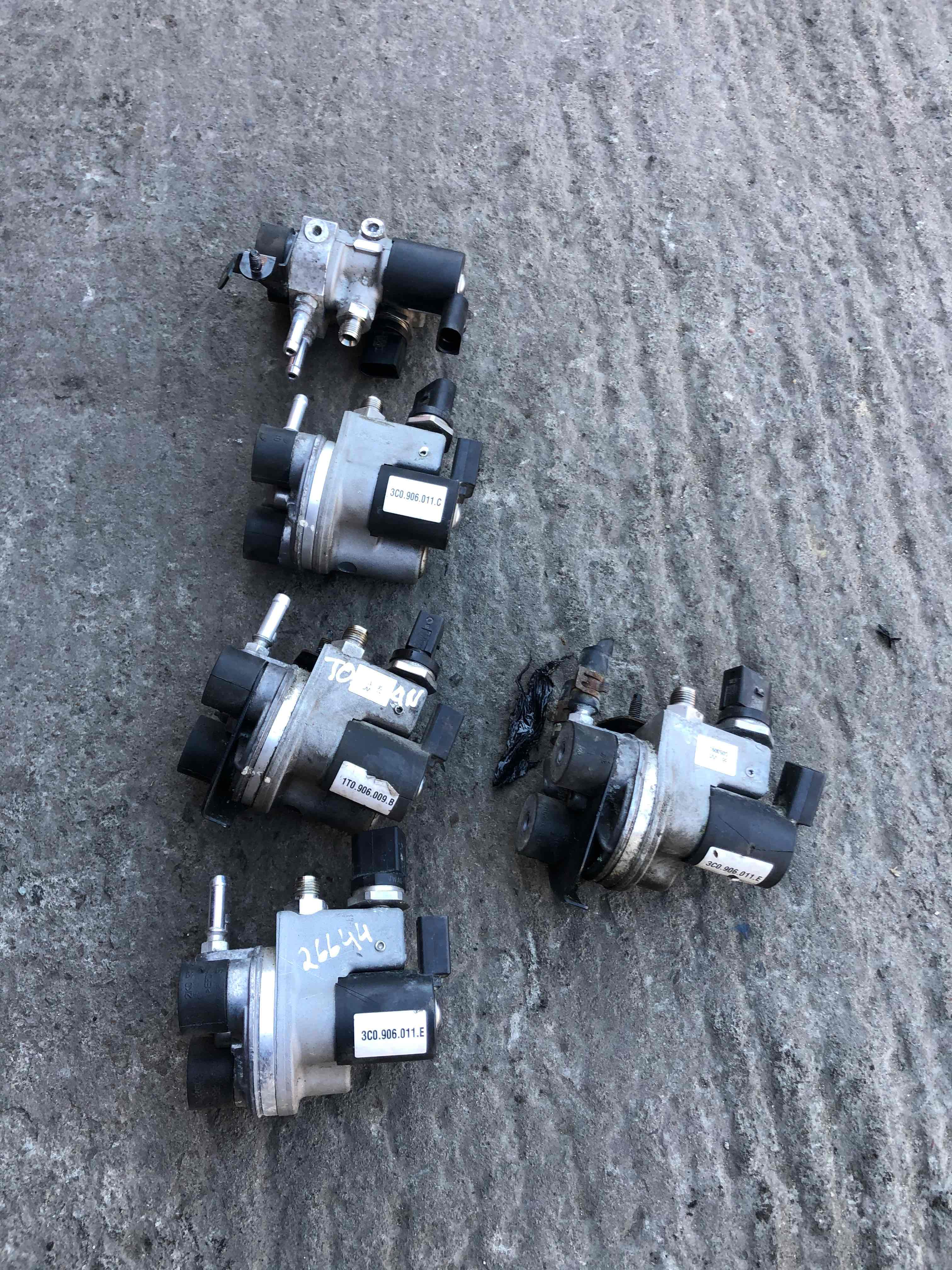 Газовый редуктор    1T0906009b